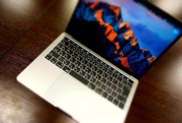 【Mac】MacBookPro TouchBarモデルを購入しました!写真集!