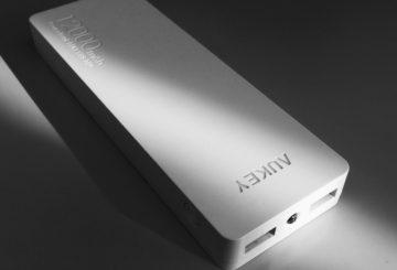 【最強モバイルバッテリー】たった2000円で12000mAh!?Aukey PB-N28!半年使用レビュー!