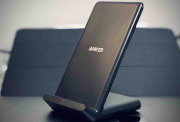 【徹底レビュー】Anker PowerWave 10 Stand(改善版) !iPhoneユーザーはどのワイヤレス充電器がおすすめ?