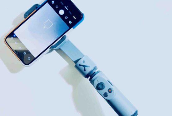 【次世代自撮り棒】Zhiyun Smooth X レビュー!画期的な電動ジンバル自撮り棒!